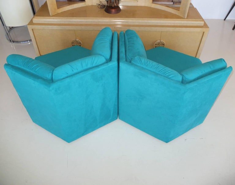 Pair Hexagonal Swivel Chairs by Milo Baughman for Thayer Coggin For Sale 4
