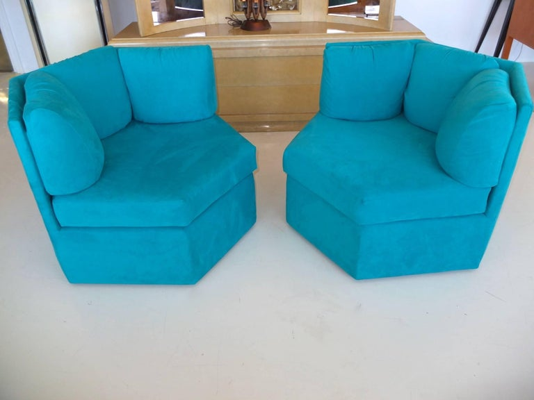 Mid-Century Modern Pair Hexagonal Swivel Chairs by Milo Baughman for Thayer Coggin For Sale