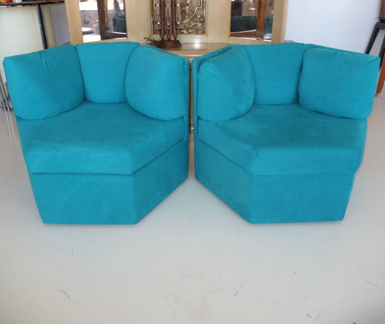 Pair Hexagonal Swivel Chairs by Milo Baughman for Thayer Coggin In Excellent Condition For Sale In Hingham, MA