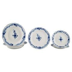 Five Meissen Neuer Ausschnitt Plates in Hand-Painted Porcelain, Approx. 1900