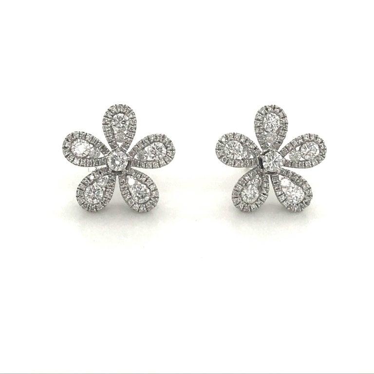 Contemporary Five-Petal Diamond Flower Stud Earrings 1.36 Carat 18 Karat White Gold For Sale