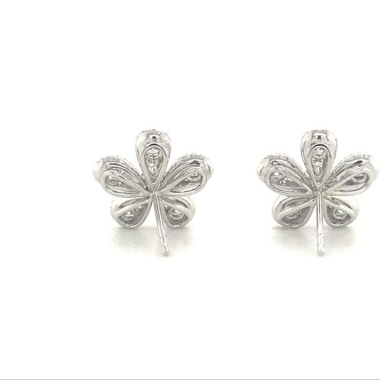 Five-Petal Diamond Flower Stud Earrings 1.36 Carat 18 Karat White Gold For Sale 1