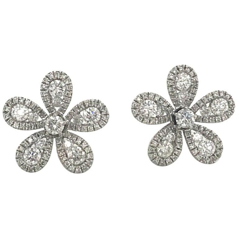 Five-Petal Diamond Flower Stud Earrings 1.36 Carat 18 Karat White Gold For Sale