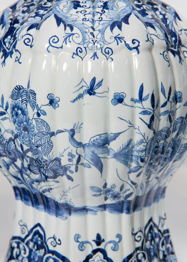 Five-Piece French Garniture in the Delft Style Made 20th Century For Sale 2
