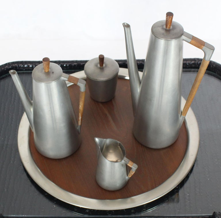 Five Pieces Mid-Century Modern Tea Coffee Set by Royal Holland Pewter Teak In Good Condition For Sale In Blairstown, NJ
