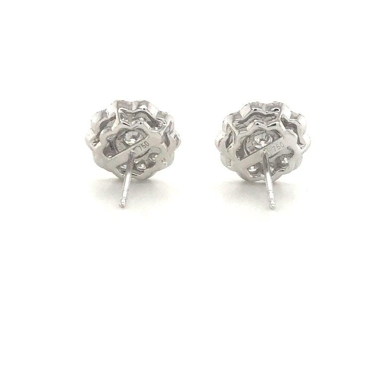 Five-Row Diamond Cluster Flower Earrings 1.38 Carat 18 Karat White Gold For Sale 1