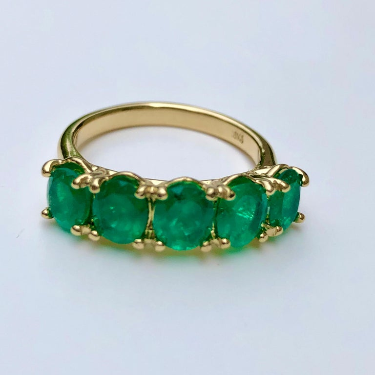 Five-Stone Colombian Natural Emerald 18 Karat Gold Ring For Sale 5