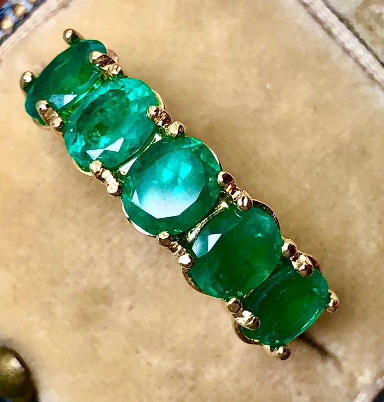 Five-Stone Colombian Natural Emerald 18 Karat Gold Ring For Sale 2