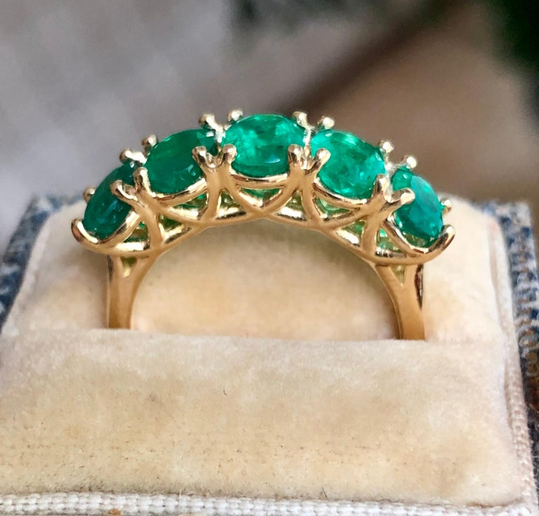 Five-Stone Colombian Natural Emerald 18 Karat Gold Ring In New Condition For Sale In Brunswick, ME