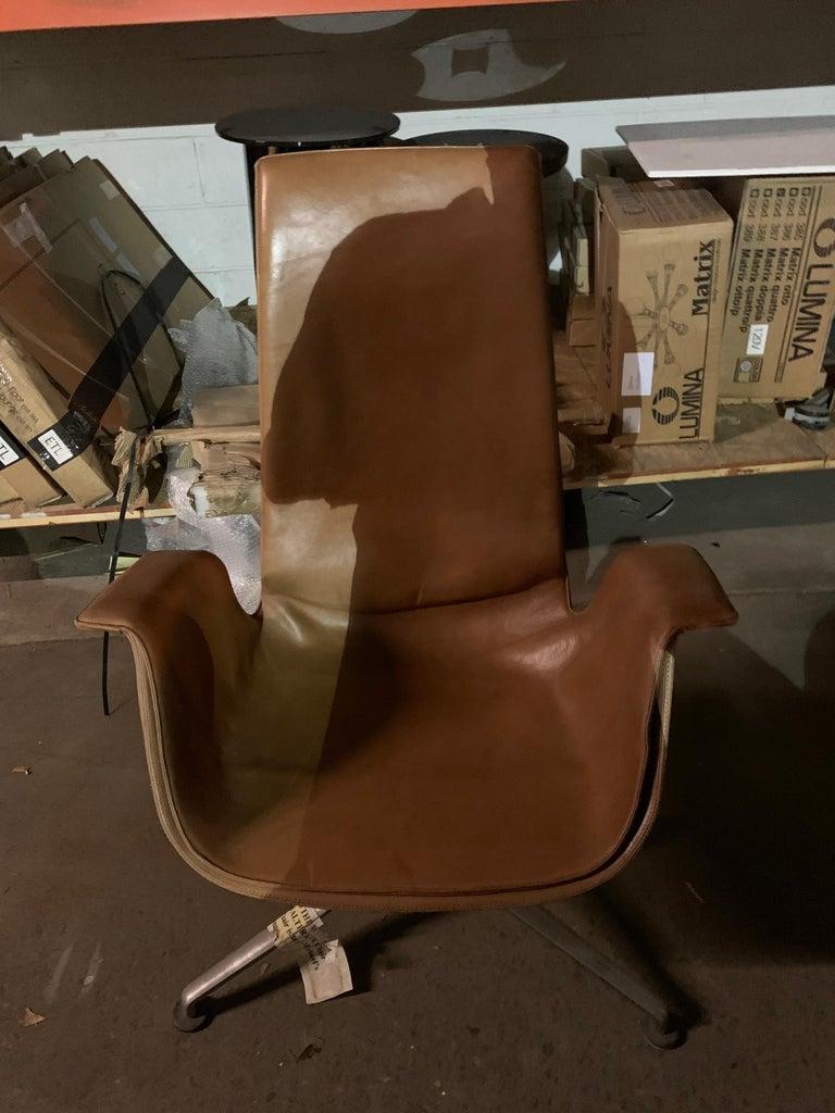 Contemporary FK Bucket Leather Swivel Armchair by Preben Fabricius & Jørgen Kastholm For Sale
