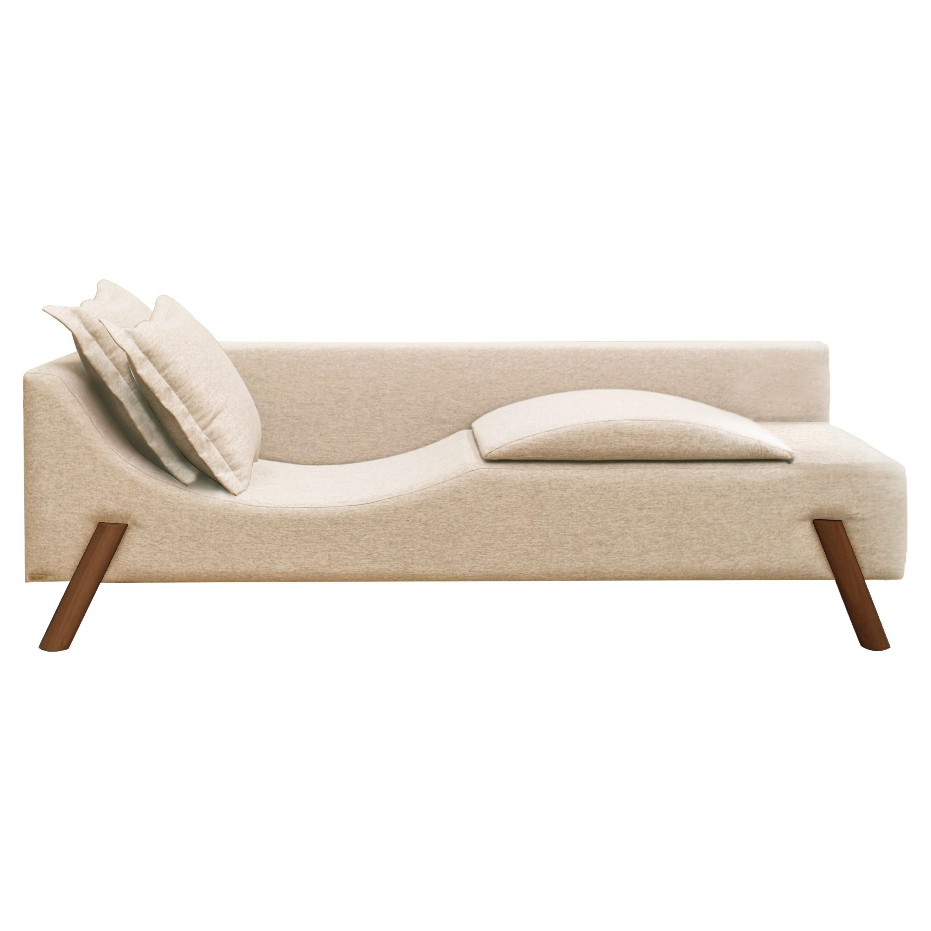 Flag Couch Chaise Longue in Natural Linen and Wood Feet