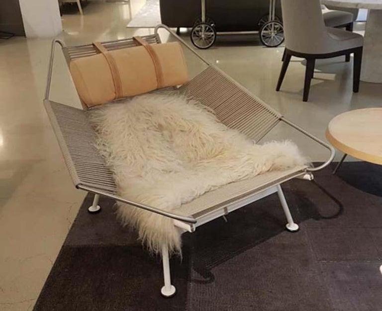 Modern Flag Cream Halyard Lounge Chair, by Hans J. Wegner from PP Mobler For Sale