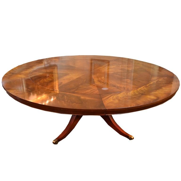 Flame Mahogany Round Pedestal Base Dining Table