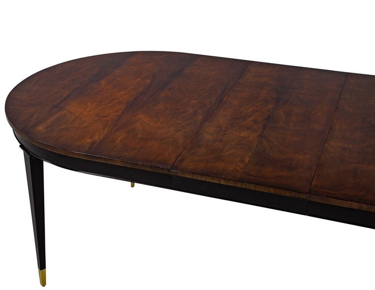 Mid-Century Modern Flamed Mahogany Dining Table Hepplewhite Inspired For Sale