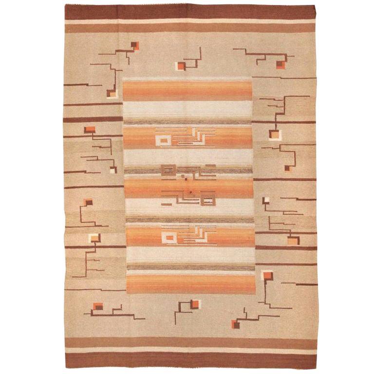 Flat Woven Room Size Vintage Swedish Kilim Carpet. Size: 7 ft x 10 ft