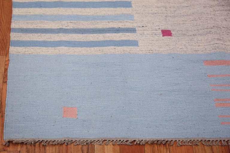 20th Century Flat-Woven Vintage Scandinavian Swedish Kilim Rug. Size: 5 ft 7 in x 8 ft  For Sale