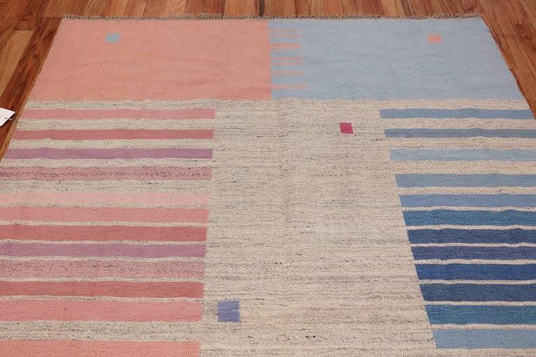 Flat-Woven Vintage Scandinavian Swedish Kilim Rug. Size: 5 ft 7 in x 8 ft  For Sale 1