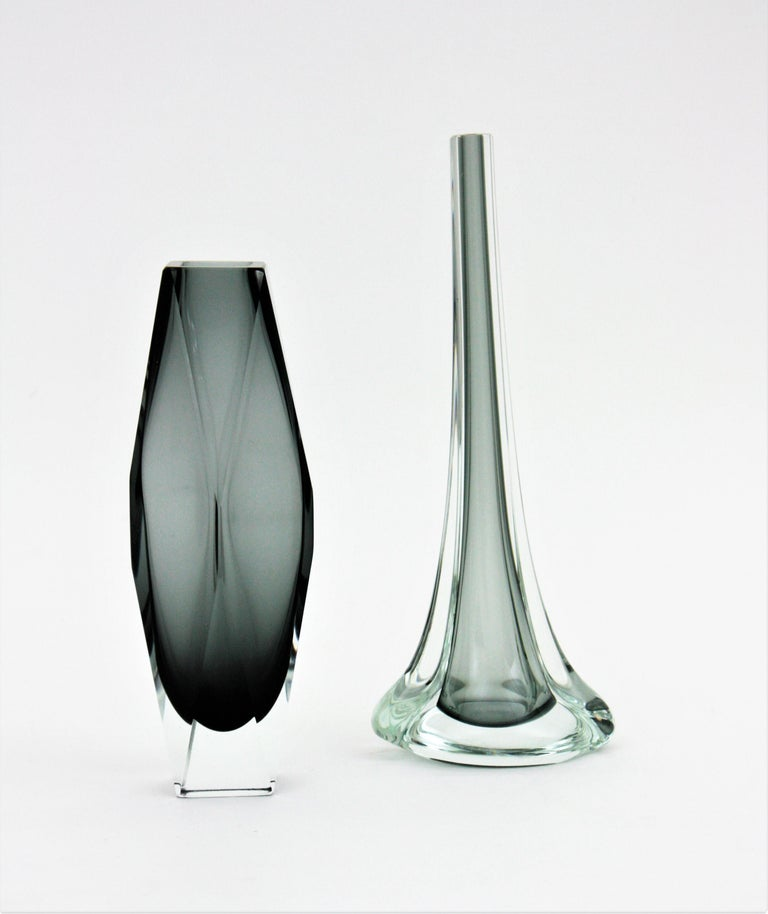 Flavio Poli for Seguso Murano Sommerso Smoked Grey and Clear Art Glass Vase In Good Condition For Sale In Barcelona, ES