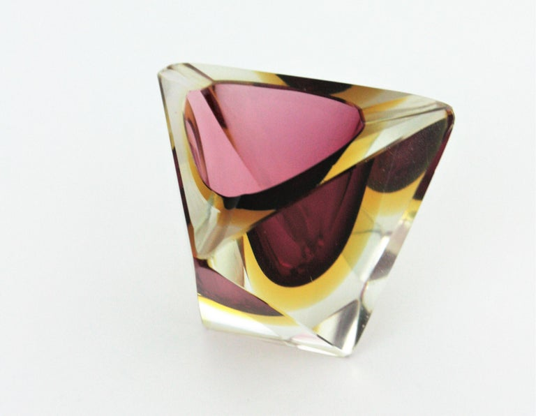 Flavio Poli Murano Faceted Sommerso Purple Yellow Glass Triangular Ashtray /Bowl In Good Condition For Sale In Barcelona, ES