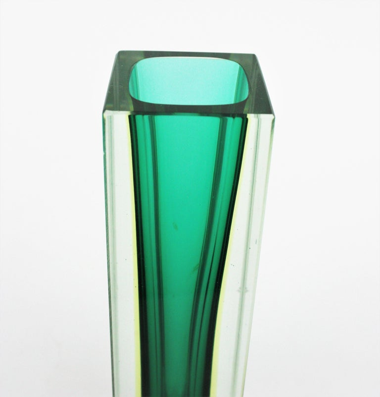Flavio Poli Murano Faceted Sommerso Green Yellow and Clear Glass Vase For Sale 1