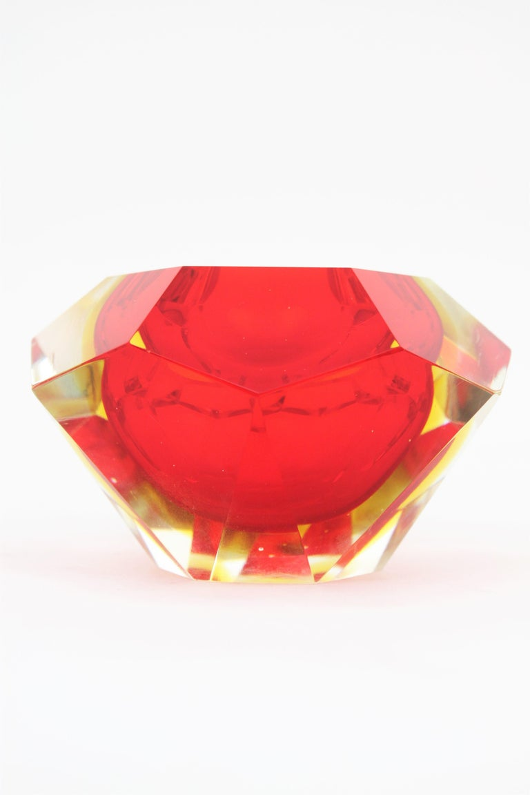 Flavio Poli Murano Red, Yellow and Clear Faceted Glass Diamond Bowl or Ashtray For Sale 2