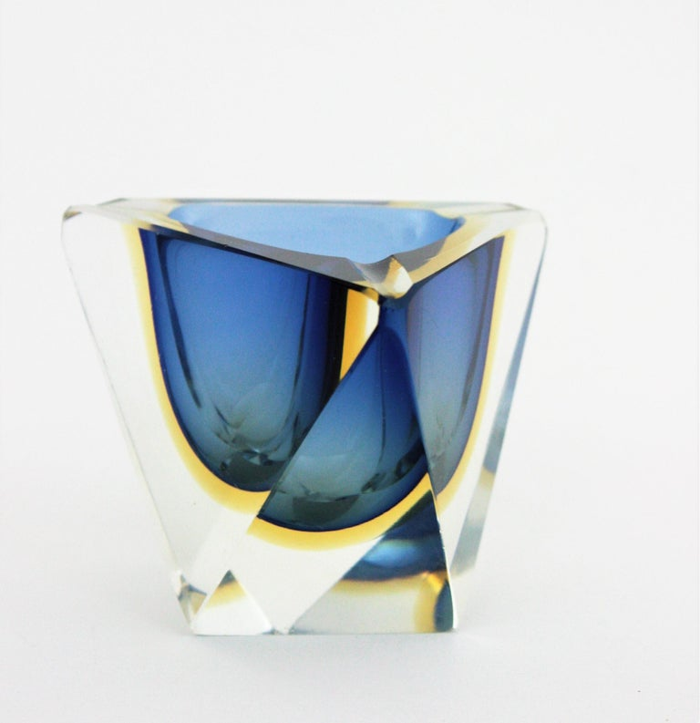 Mid-Century Modern Flavio Poli Murano Sommerso Blue & Yellow Faceted Triangular Glass Ashtray Bowl For Sale