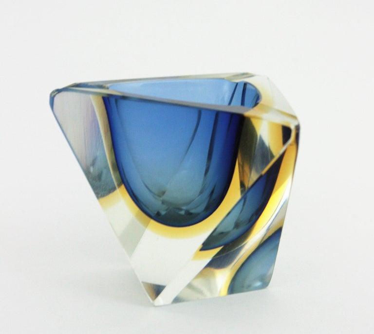 Italian Flavio Poli Murano Sommerso Blue & Yellow Faceted Triangular Glass Ashtray Bowl For Sale