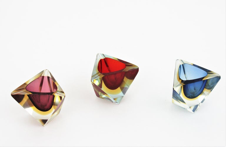 Murano Glass Flavio Poli Murano Sommerso Blue & Yellow Faceted Triangular Glass Ashtray Bowl For Sale