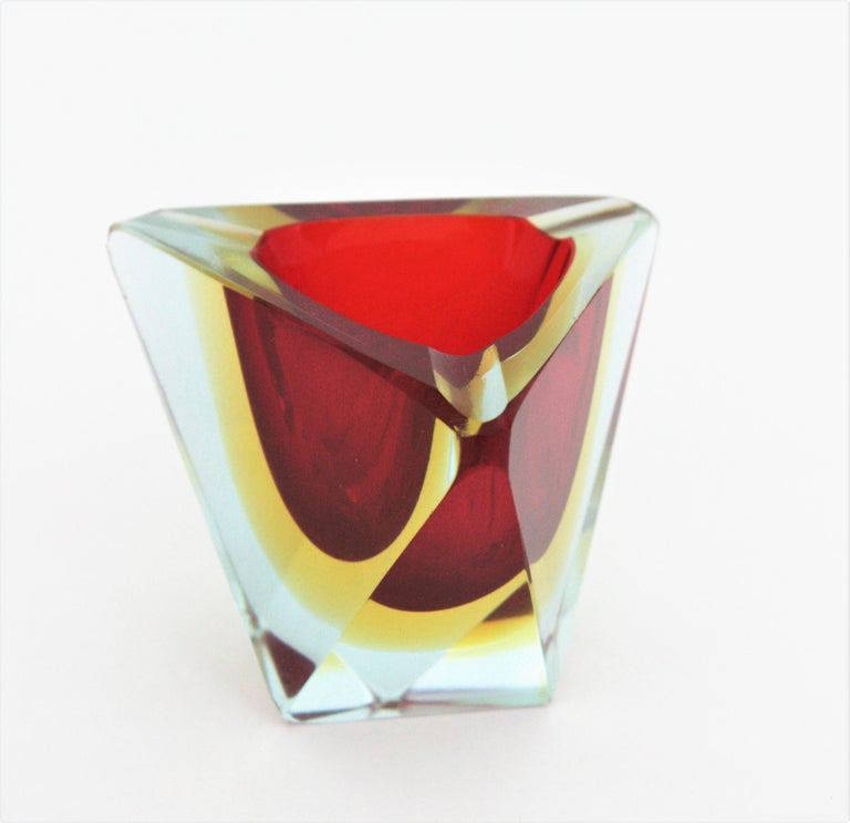 Mid-Century Modern Flavio Poli Murano Sommerso Red Yellow Faceted Triangular Glass Ashtray / Bowl For Sale