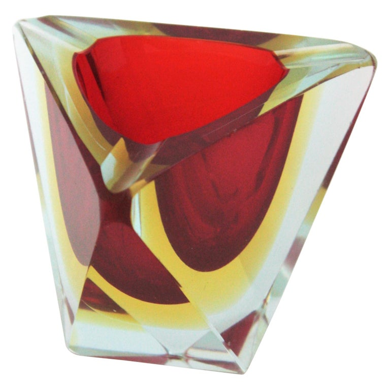 Flavio Poli Murano Sommerso Red Yellow Faceted Triangular Glass Ashtray / Bowl For Sale