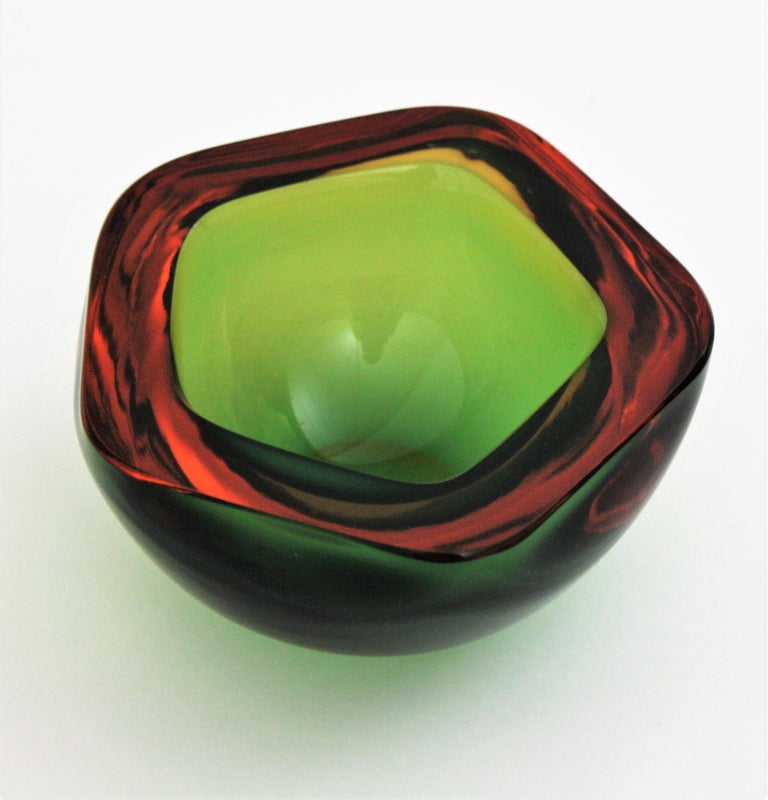Flavio Poli Seguso Murano Art Glass Sommerso Green Amber Bowl For Sale 5