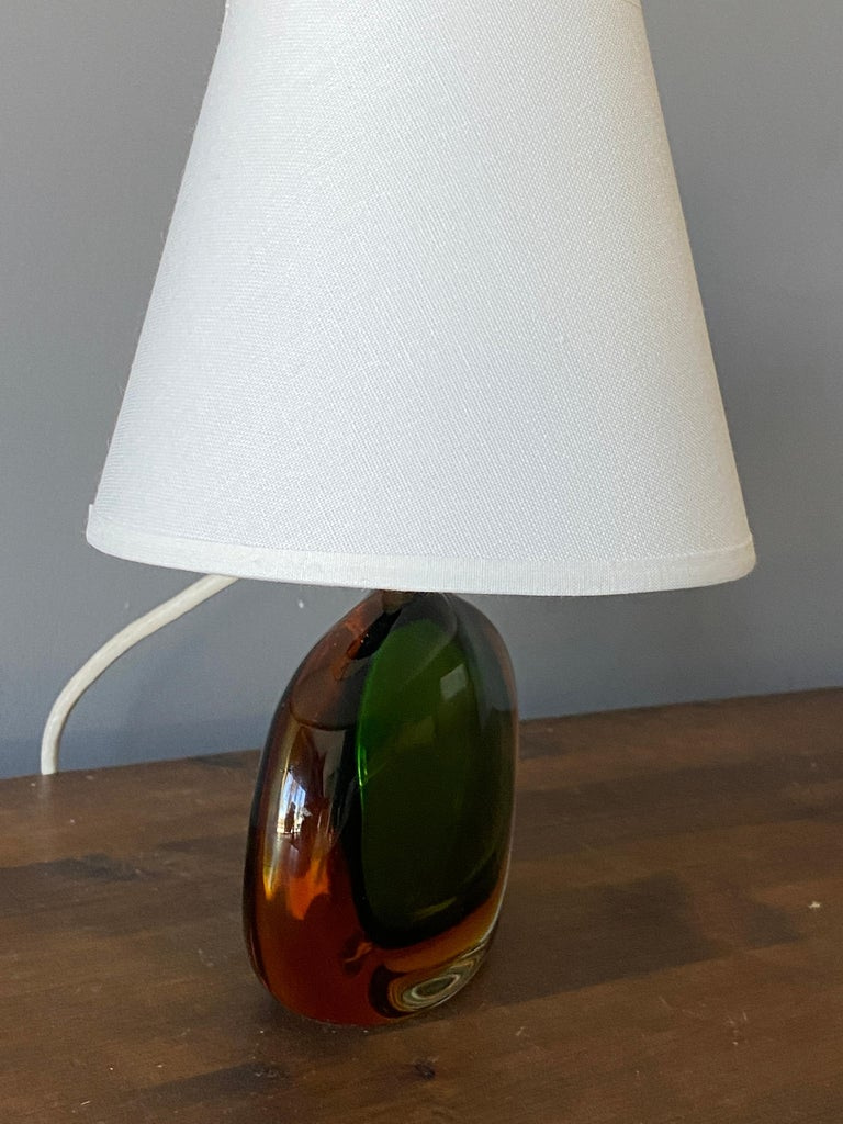 Flavio Poli, Small Table Lamp, Murano Glass, Brass, Fabric, Seguso Italy, 1950s In Good Condition For Sale In West Palm Beach, FL