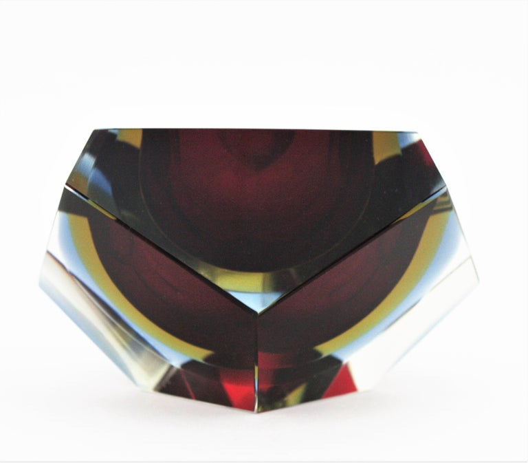 Flavio Poli XXL Red, Yellow & Blue Sommerso Faceted Murano Glass Ashtray / Bowl For Sale 3