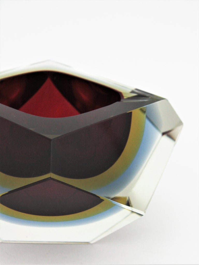 Flavio Poli XXL Red, Yellow & Blue Sommerso Faceted Murano Glass Ashtray / Bowl For Sale 4