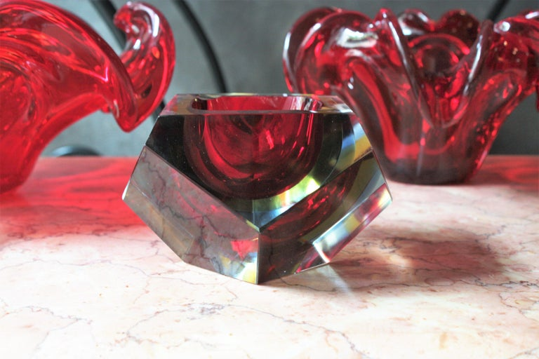 Flavio Poli XXL Red, Yellow & Blue Sommerso Faceted Murano Glass Ashtray / Bowl For Sale 1