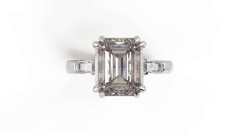 GIA Certified 4.50 Carat Emerald Cut Diamond Ring In New Condition For Sale In Rome, IT