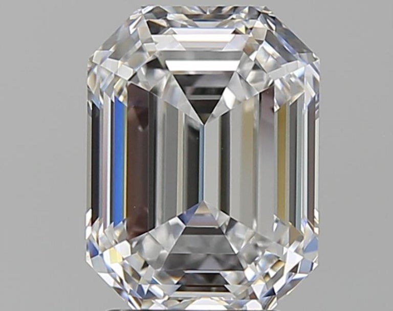 FLAWLESS D Color GIA Certified 4 Carat Emerald Cut Diamond Ring In New Condition For Sale In Rome, IT