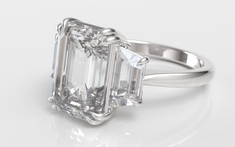 Modern EXCEPTIONAL FLAWLESS GIA Certified 5 Carat Emerald Cut Diamond Platinum Ring For Sale