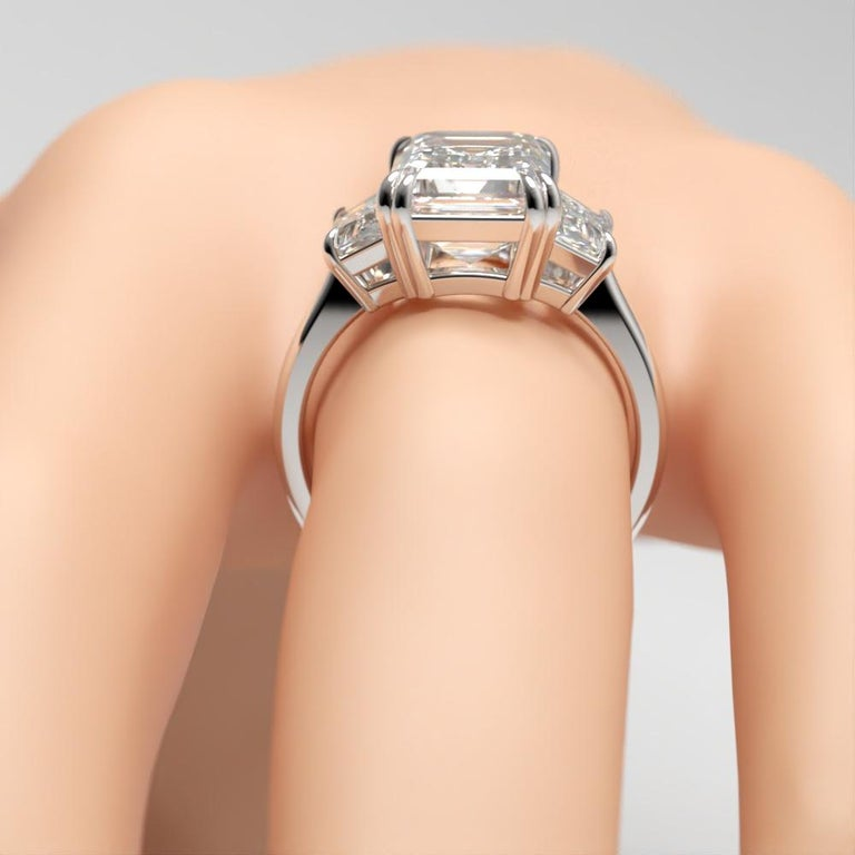 EXCEPTIONAL FLAWLESS GIA Certified 5 Carat Emerald Cut Diamond Platinum Ring In New Condition For Sale In Rome, IT
