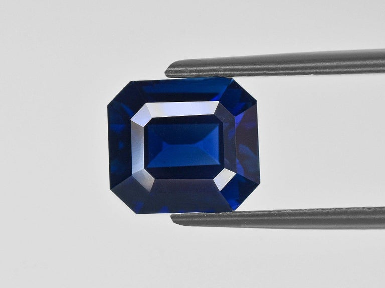 Modern FLAWLESS GRS Certified 5.75 Carat Royal Blue No Heat Blue Sapphire Diamond Ring For Sale