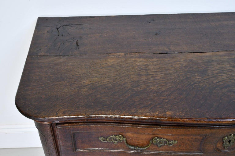 Flemish Baroque Chest of Drawers in Rich European Oak, circa 1770 For Sale 5