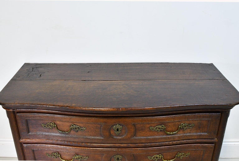 Flemish Baroque Chest of Drawers in Rich European Oak, circa 1770 For Sale 6