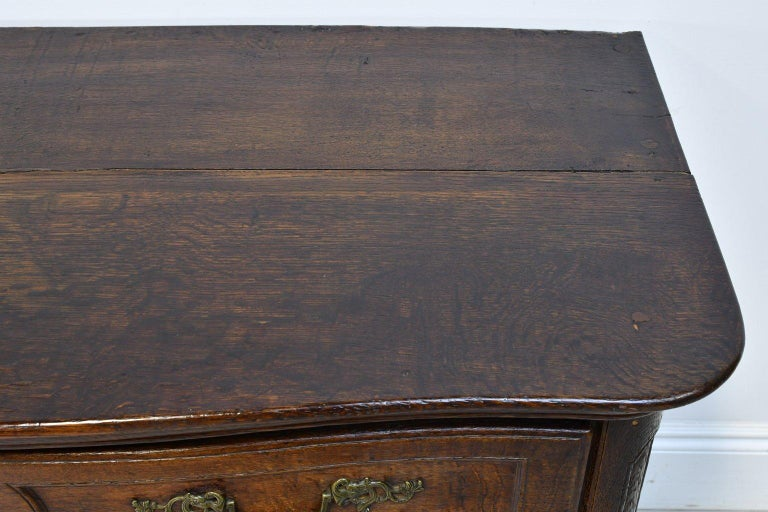 Flemish Baroque Chest of Drawers in Rich European Oak, circa 1770 For Sale 7