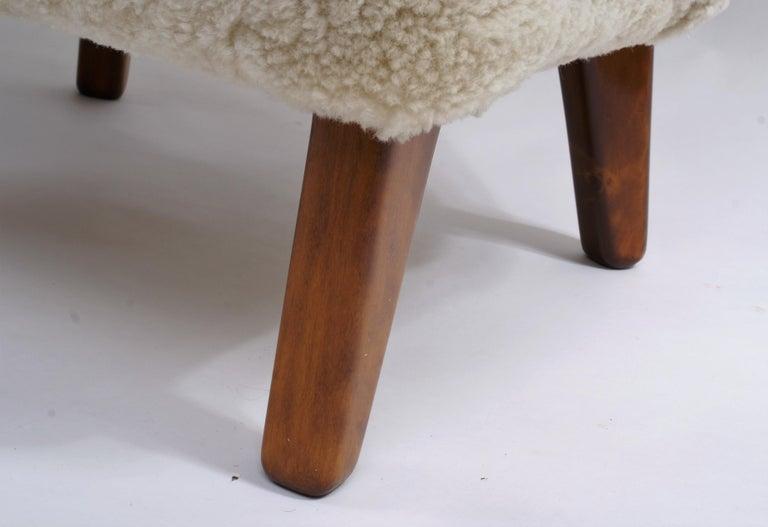 Flemming Lassen Pair of Easy Chairs in Pale Grey Sheepskin, 1940s 4