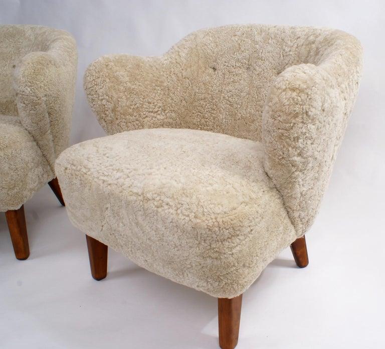 Flemming Lassen Pair of Easy Chairs in Pale Grey Sheepskin, 1940s 1