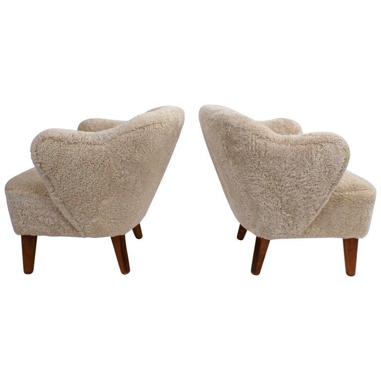 Flemming Lassen Pair of Easy Chairs in Pale Grey Sheepskin, 1940s