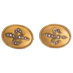 Fleur-de-Lis Earrings in 14 Karat Gold