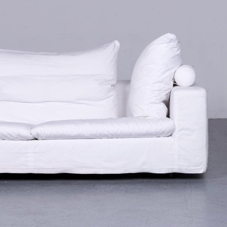 Flexform Poggiolungo Designer Fabric Sofa White Couch In Excellent Condition In Cologne, DE