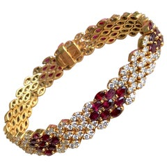 Flexible Bracelet in 18 Carat Yellow Gold Ruby Paving and Alternating Diamonds