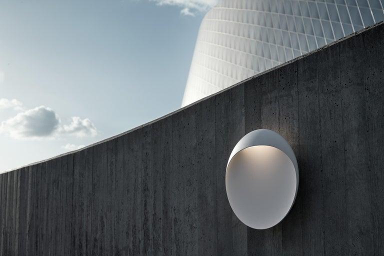 Contemporary 'Flindt' Indoor/Outdoor Wall Light for Louis Poulsen For Sale